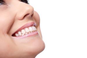 השתלות שיניים ורפואת שיניים מתקדמת – האם כל אחד יכול לעבור השתלת שיניים?