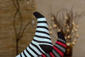 גרביים להמרצת מחזור הדם – מה זה אומר ואיך בוחרים?