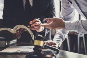 מה צריך לדעת כשחושבים לפנות אל עורך דין רשלנות רפואית?