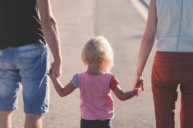 איך ניתן להתמודד עם קשיים חברתיים אצל ילדים?