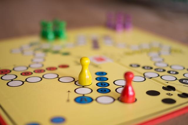 זמן הפסקה – על משחקי רצפה וקופסא